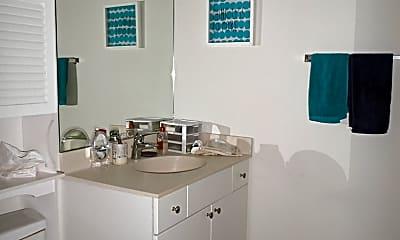 Kitchen, 235 W Van Buren St 3219, 1