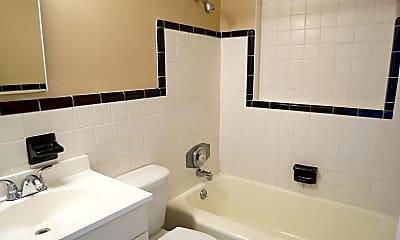 Bathroom, 1116 W Nassau St, 2