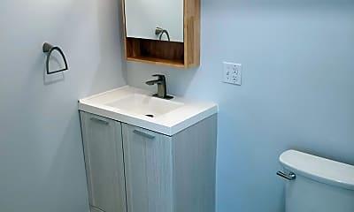 Bathroom, 210 18th St, 2