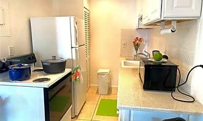 Kitchen, 7400 Harding Ave, 1
