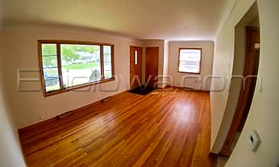 Living Room, 214 24th St NW, 1