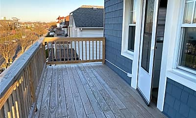 Patio / Deck, 346 W Hudson St UPPER, 1