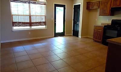 Living Room, 460 Kate Dr, 2