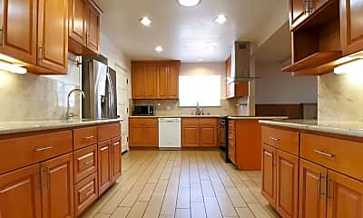 Kitchen, 1050 Paintbrush Dr, 1