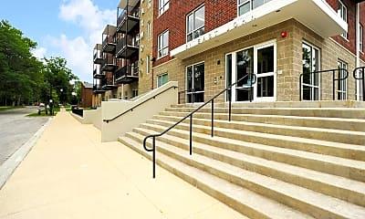 Building, Maywood II Apartments, 2