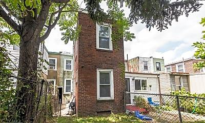 Building, 1117 E Eyre St, 2