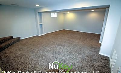Living Room, 508 E Longfellow Ave, 2