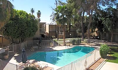 The Courtyards Apartments, 2