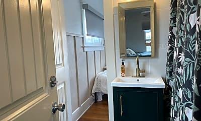 Bathroom, 1825 Meade Avenue, 2