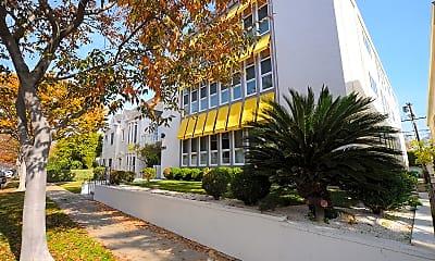 Building, 350 S. Reeves, 1