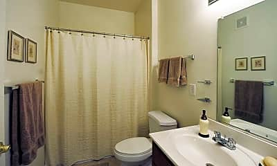 Bathroom, Wyndhurst Villas Apartments, 2