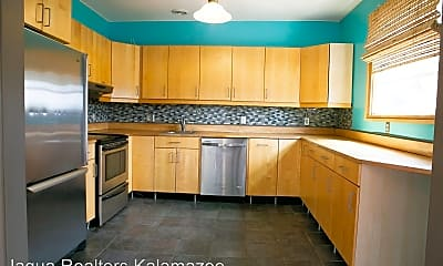 Kitchen, 923 S Burdick St, 1