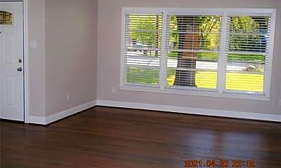 Living Room, 620 S Dallas Ave, 1