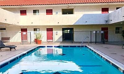 Pool, 5637 Hazeltine Ave, 0
