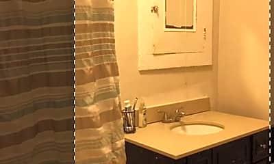 Bathroom, 206 Schuyler Pl, 2