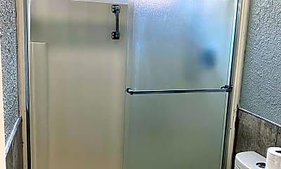 Bathroom, 1123 S Keats St, 1