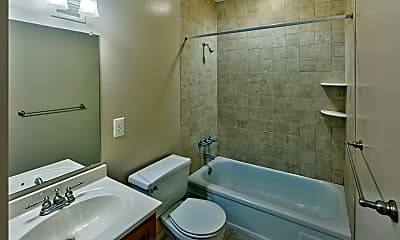 Bathroom, Chestnut House Apartments, 2