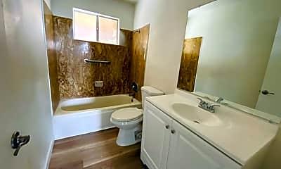Bathroom, 79 5th Ave, 2