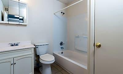 Bathroom, 4964 E Lincoln St, 2