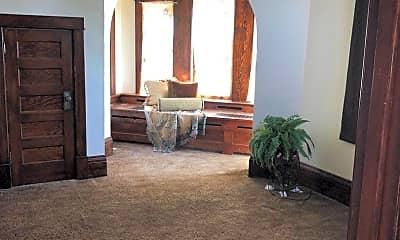 Bedroom, 623 E Lake St, 1