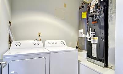 Bathroom, 1124 Galveston Ave D, 2
