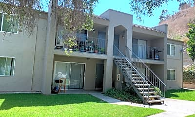 Silver Oak Apartments, 2