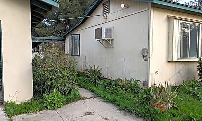 Building, 2742 Reservoir Dr, 2