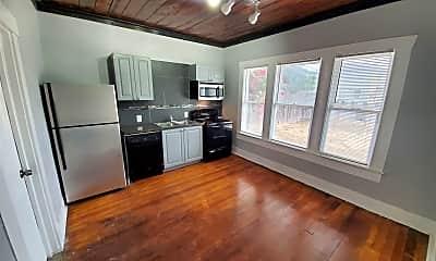 Kitchen, 429 Wharton St, 1