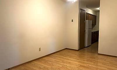 Living Room, 32 Heritage Cir, 1