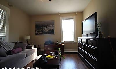 Kitchen, 579 Thurman Ave, 1