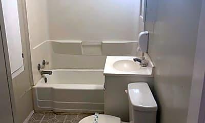 Bathroom, 1405 SW 12th Ave, 2