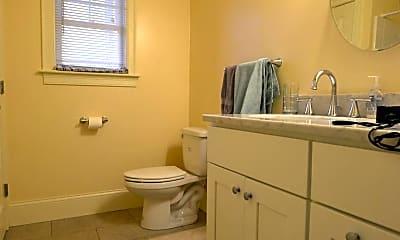 Bathroom, 10 Bennington St, 2