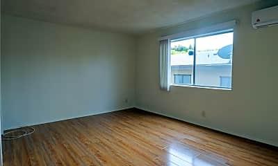 Living Room, 642 N W Knoll Dr 201, 1