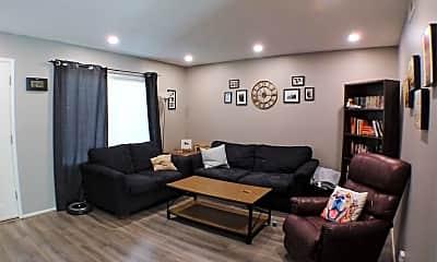 Living Room, 1261 Parque Dr, 1