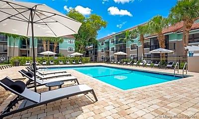 Pool, 730 S Park Rd 301, 2