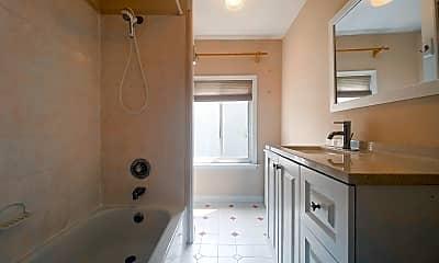 Bathroom, 2218 Summer St, 2
