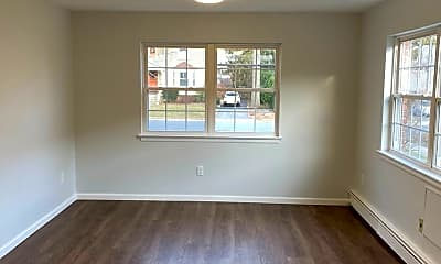 Living Room, 180 Orange Rd, 2