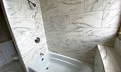Bathroom, 192 Middlesex St, 1