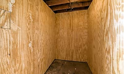 Bedroom, 882 S Hamilton Rd, 2