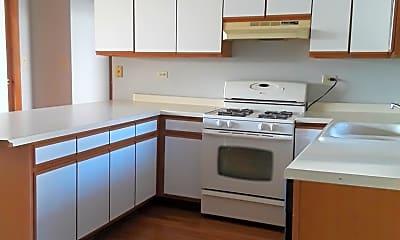 Kitchen, 1348 W Foster Ave, 2