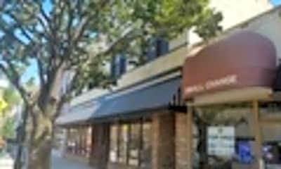 31 South La Grange Road 2, 0