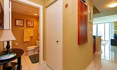 Bathroom, 3000 Oasis Grand Blvd 1406, 1