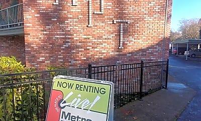 Community Signage, 530 13th St NE, 1