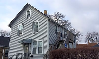 Building, 904 S Jackson St, 2