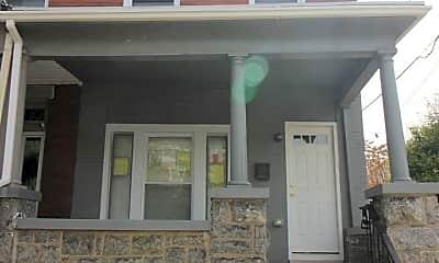 Building, 2701 N Howard St, 1