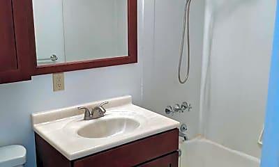 Bathroom, 4618 Fremont Ave N, 2