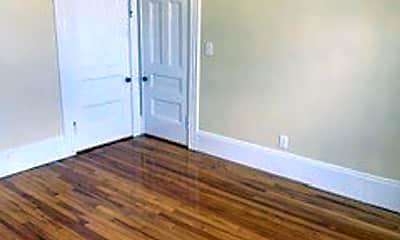 Bedroom, 132 Franklin St, 2