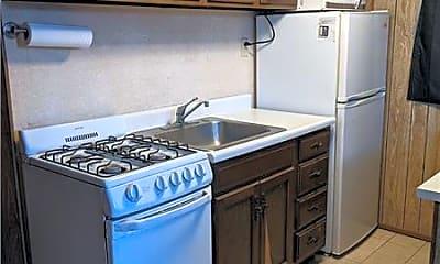 Kitchen, 607 1/2 W Grant St B, 1