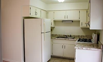Kitchen, 104 W Willow St 3W, 1