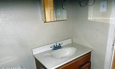 Bathroom, 1403 N Hancock Ave, 1